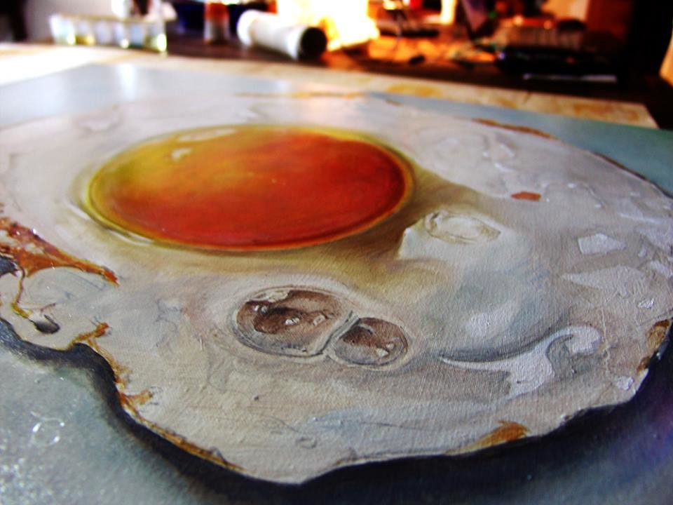 study_of_hyperrealistic_fried_egg_by Dutch Artist Tjalf Sparnaay_3